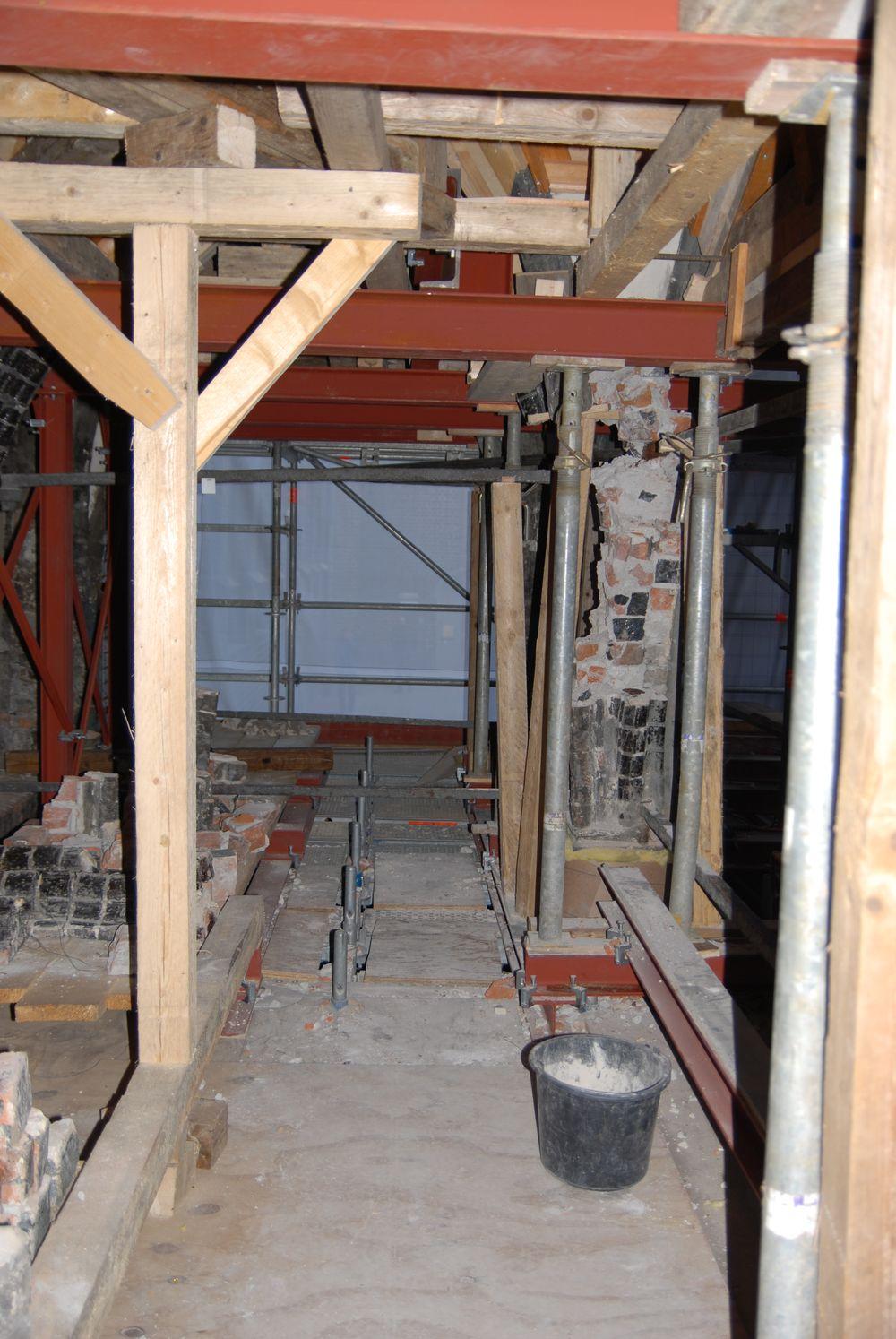 Die Gewölbe mussten auf einer Stahlkonstruktion abgelagert werden.